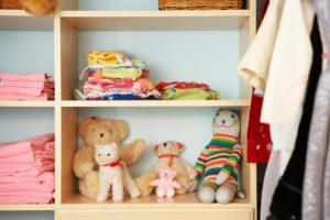 stuffed-animals-on-closet-shelves