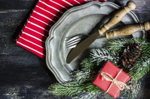 christmas-table-setting-with-silverware