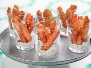 crispy-carrot-fries-with-lemon-mint-dip