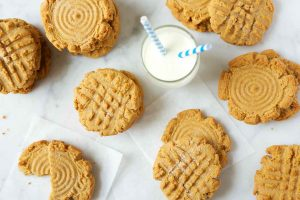 peanut-butter-cookies-on-a-plate-with-a-glass-of-milk