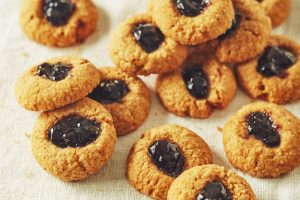 pile-of-graham-cracker-thumbprint-cookies