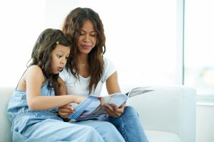 mother-daughter-reading-magazine